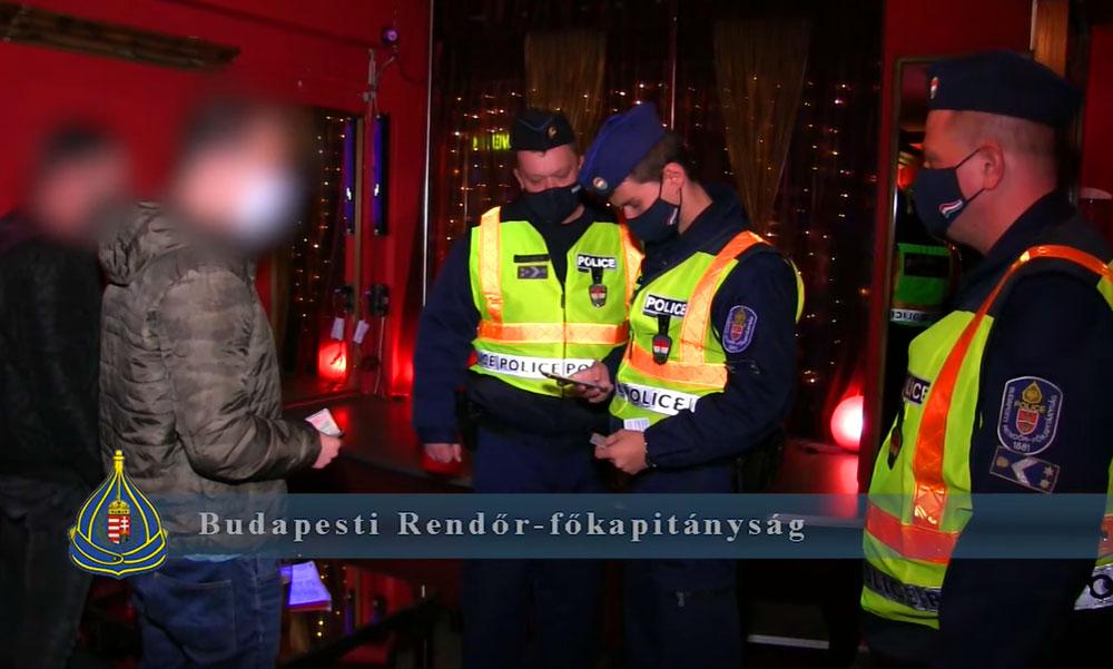 Razzia Budapesten: Bezáratott a rendőrség több szórakozóhelyet mert megsértették a maszkviselési szabályokat