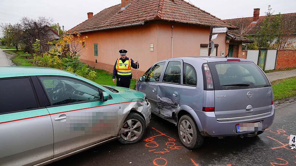 Kisgyermek sérült egy balesetben Szegváron, kamion és kisteherautó rohant egymásba Alsószentivánnál