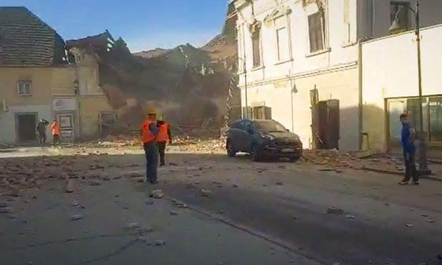 """""""A főtéren láttam meghalni a 12 éves kislányt"""" – óriási pusztítást végzett Horvátországban a földrengés, a kutatómentők a romok alatt keresik az áldozatokat"""