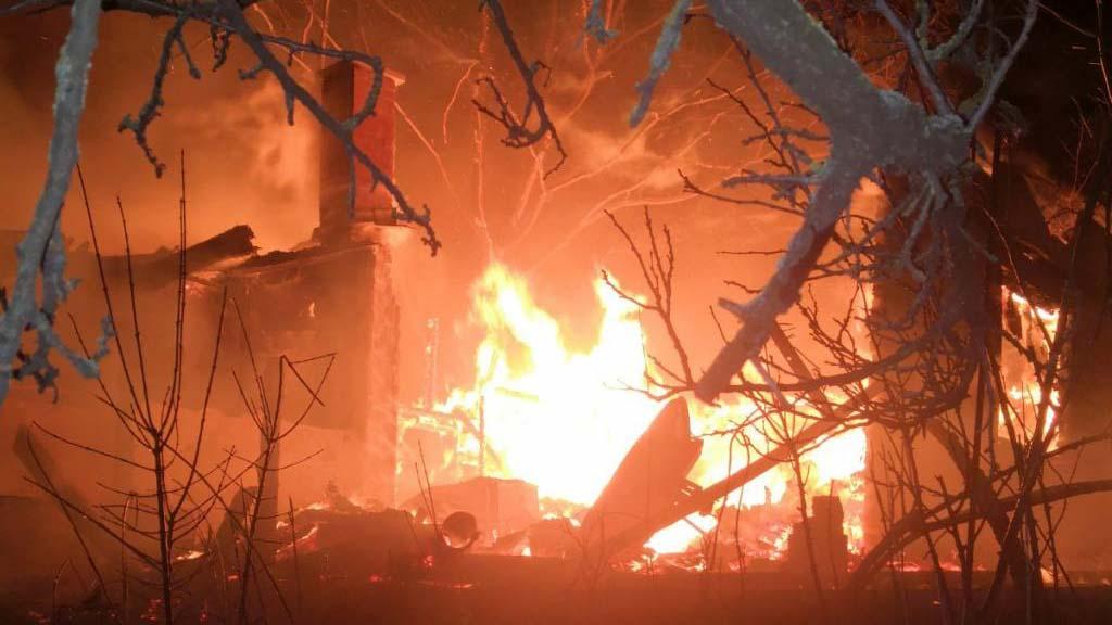 Tragédia! Porig égett egy ház Biatorbágyon, a tulajdonos meghalt a tűzben