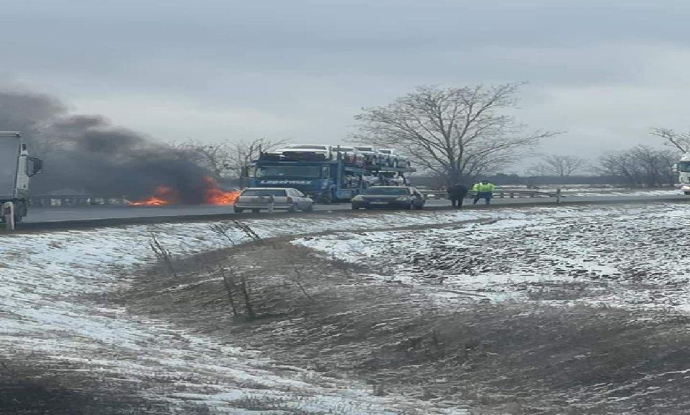 Halálos baleset Győrnél: négyen haltak meg – videó a helyszínről