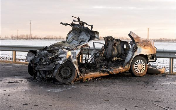 """""""Két lány maradt árván"""" – megszólalt a győri balesetben elhunyt család nagymamája, a 9 hónapos kisfiú is bennégett az autóban"""