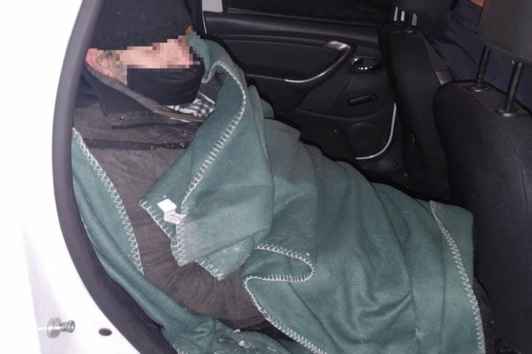Fagyhaláltól mentették meg meg az 57 éves férfit a pilsivörösvári rendőrök