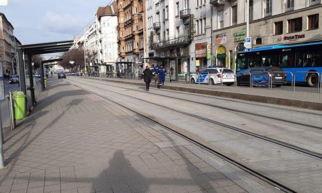 Kiderült: egy 22 éves fiút szúrtak meg Budapesten