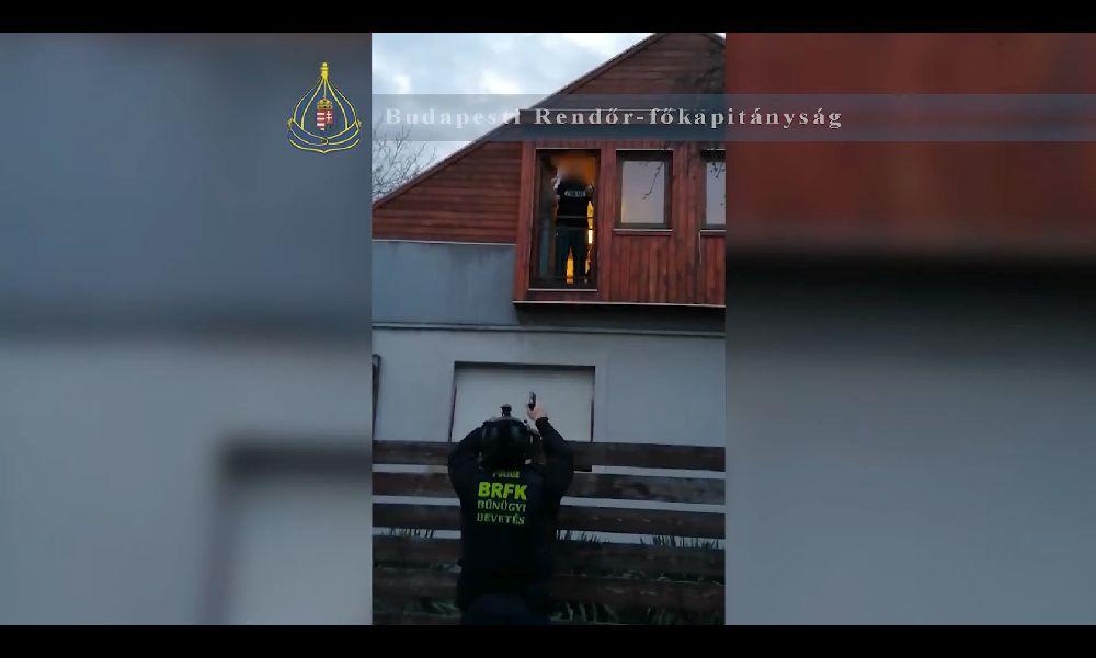 Nem akart börtönbe menni: a rendőrök mentek érte – videó