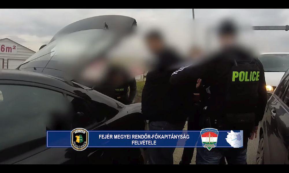 Őrizetbe vették a székesfehérvári fegyveres támadót – videó