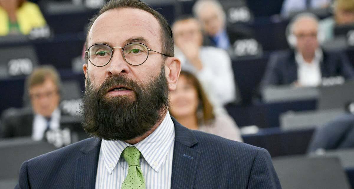 Mélyen hallgat a belga ügyészség a Szájer József elleni nyomozásról, azt sem tudni, kihallgatták-e gyanúsítottként a botrányba keveredett volt EP képviselőt