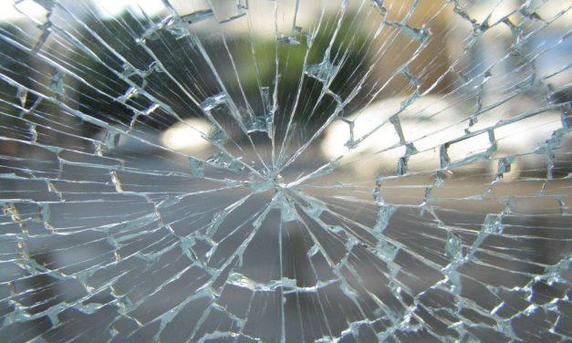 Durva karambol a 49-es főúton: egy ember meghalt, gyerekek is a sérültek között – Ez okozhatta a tragédiát