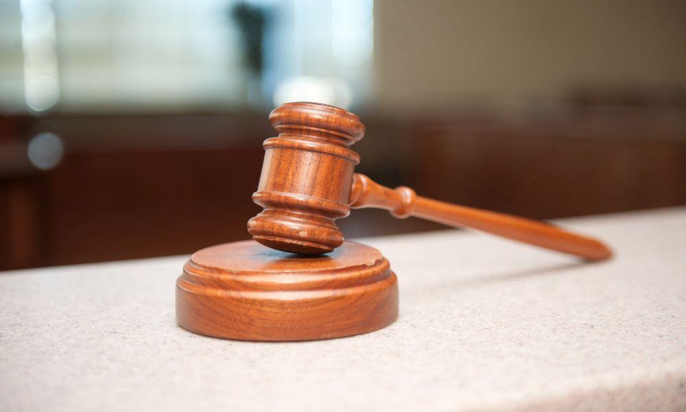 Csúnyán lebuktak: 568 millió forint táppénzt igényelt egy szegedi csalópáros