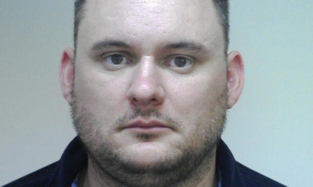 A legkeresettebb bűnözők között a kábítószer-kereskedelemmel gyanúsított férfi, aki egészen Baranyáig szökött a rendőrök elől, majd eltűnt