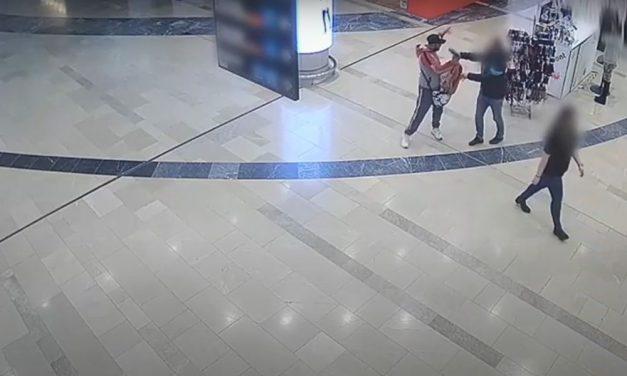 Keresik őket: maszkokat loptak a tolvajok és éles eszközzel fenyegettek meg egy eladót az Arénában – videó