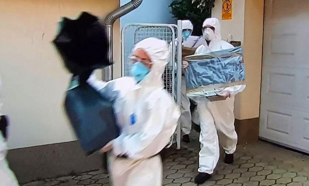 Soron kívül vizsgálja ki a rendőrség Szász János ügyét: a sziámi ikreket szétválasztó orvosok nem értik, miért volt szükség a házkutatásra