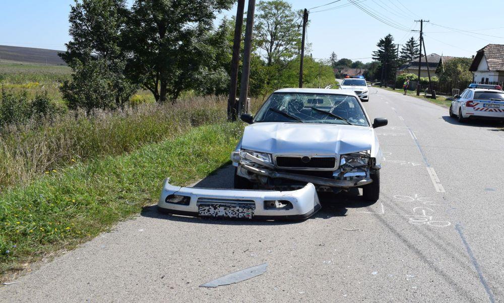 Nem tartotta a követési távolságot: három autó ütközött egymásnak miatta – fotók