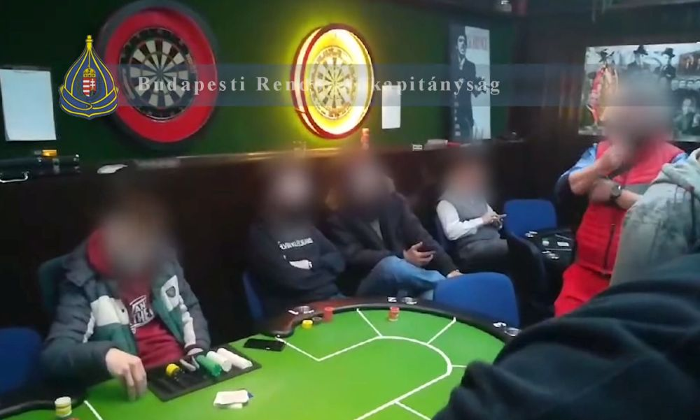 Tiltott szerencsejáték: profi pókerasztalnál élvezte az életet egy 18 fős társaság a járványügyi szabályok hatálya alatt – videó