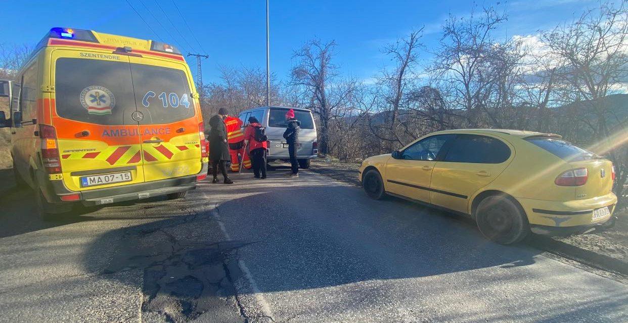 """""""Másfél órán keresztül küzdöttek teljes útzár mellett a férfi """" – vezetés közben állt le a légzése egy sofőrnek, az arra autózok küzdöttek az életéért"""