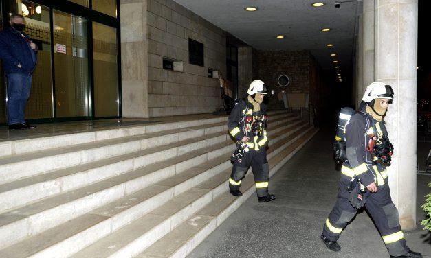 Füstgránát indult be az Országgyűlés Irodaházában, nem tudni, hogyan került oda – Most rongálás miatt folyik a nyomozás