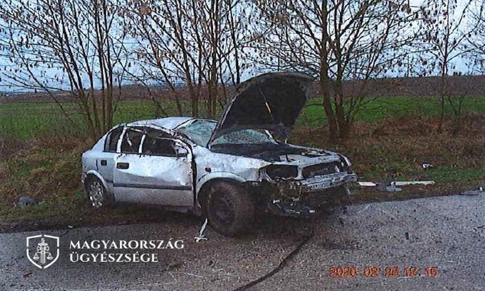 Brutális balesetet okozott: végleg elbúcsúzhat jogosítványától a gondatlan sofőr – fotók