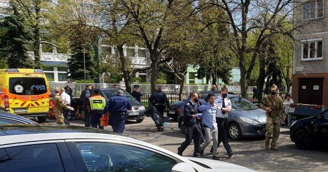 """""""Rettentő agresszívan és kötekedően viselkedett mindenkivel"""" – diáktársaival és tanáraival is erőszakoskodott az a férfi, aki 2,5 éves gyermeke előtt oltotta ki felesége életét Budapesten"""
