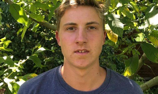 """""""Sportolni ment, de ezután nem tért vissza"""" – kétségbeese keresi édesanyja a 20 éves Pakányi Pétert, aki a család balatoni nyaralójából tünt el"""