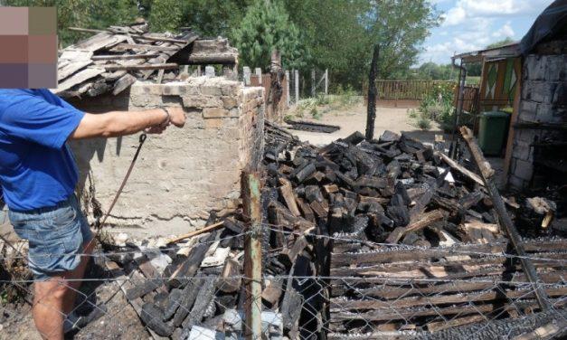 Akire megharagudott, arra rágyújtotta a házat: 14 év fegyházat kapott az őrült férfi