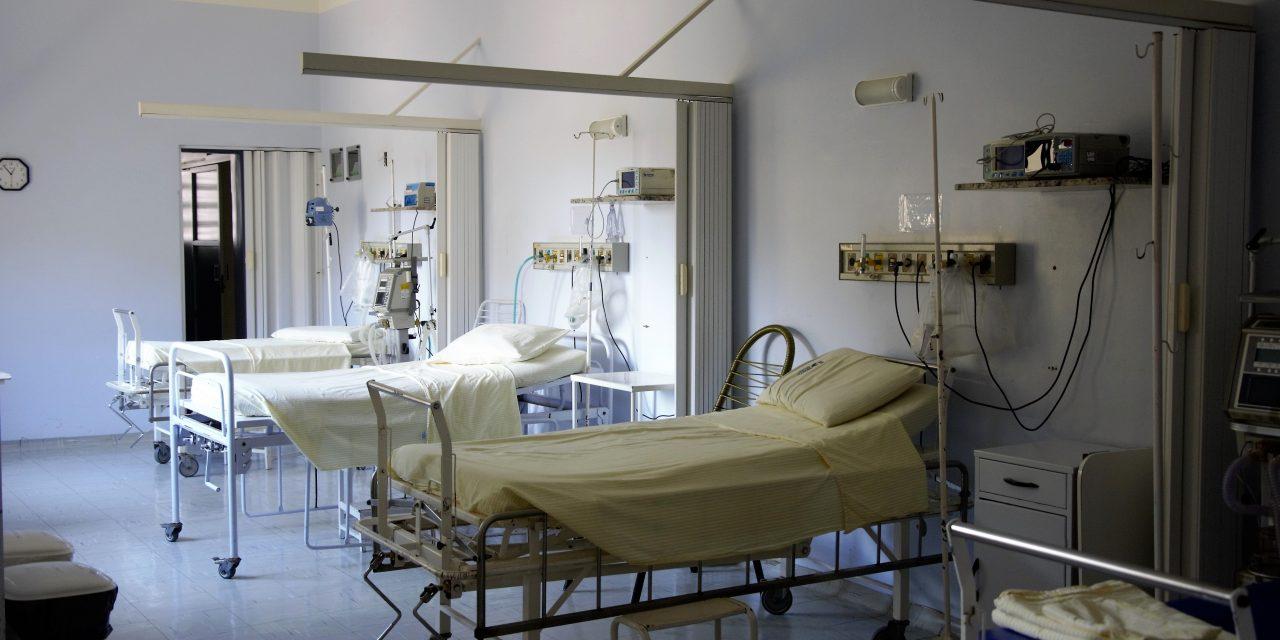 Nem ment be dolgozni az oltóorvos, a kórházparancsnok rosszat sejtett – Ez mentette meg az életét