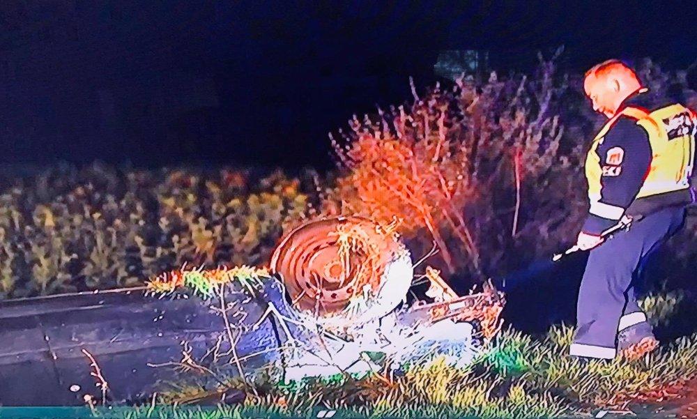 Felborult egy autó Hajós közelében: a roncsok közül négyen másztak ki, de rejtély, hogy ki vezette a járművet