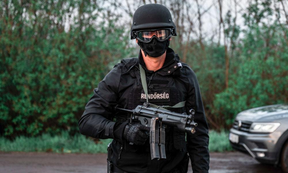 Katolikus iskolába járt az Iszlám Államra felesküdött magyar terrorista, ismert jogász az édesapja