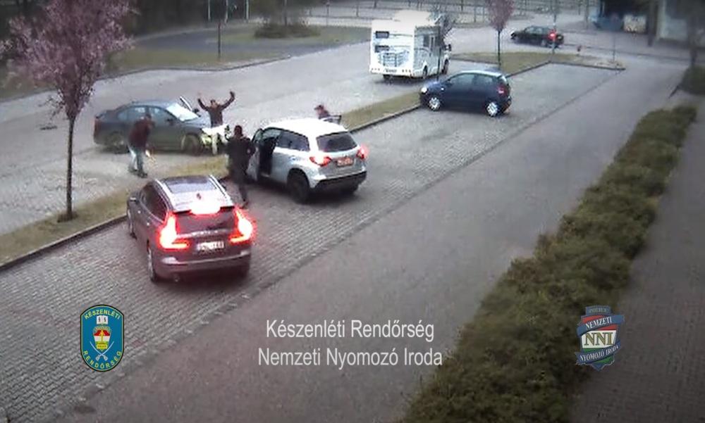 Társkeresőn kerítette magához a gyerekeket egy férfi Győrben – videó