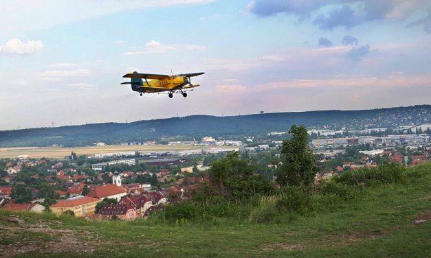 Ötezer hektáron folytatódik a biológiai szúnyoggyérítés – Ezeket a területeket veszik most célba