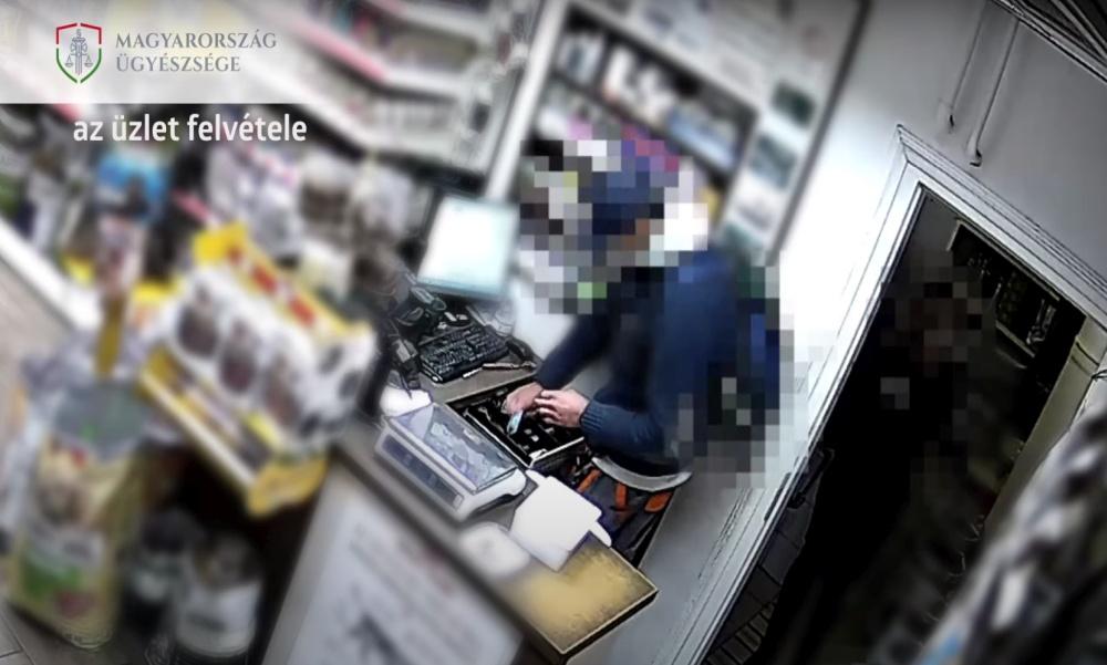 Videón az újpesti állateledel boltban történt rablás