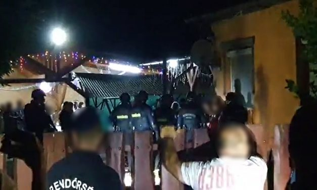 Balhé a mulatós zenész buliján – verekedés lett a vége a jászapati partinak, még a helyi országgyűlési képviselőt is megfenyegette a házigazda