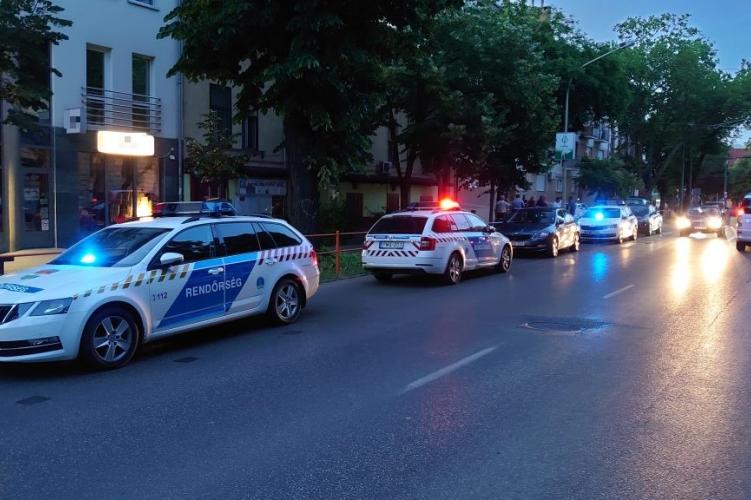 Kettős gyilkosság Szegeden! A 28 éves elkövető egy Mercedessel menekült, körözi a rendőrség