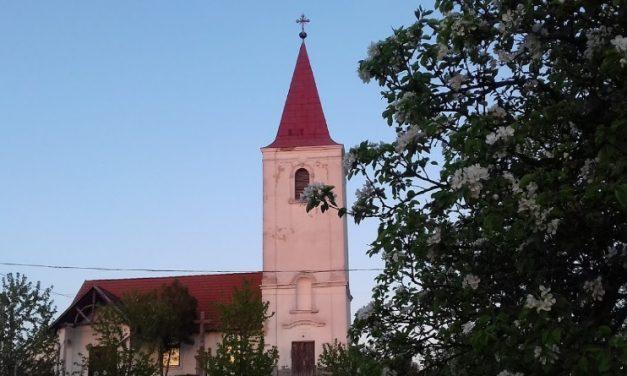 Több ablakot betörtek, egy feszületet összetörtek, két Szűz Mária szobrot megrongáltak – Fiatalok vandálkodtak egy Baranya megyei templomban
