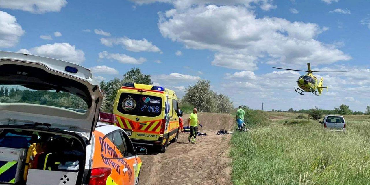 Motocrossozás közben ütközött össze két gyerek, a 9 éves kisfiú életéért küzdenek