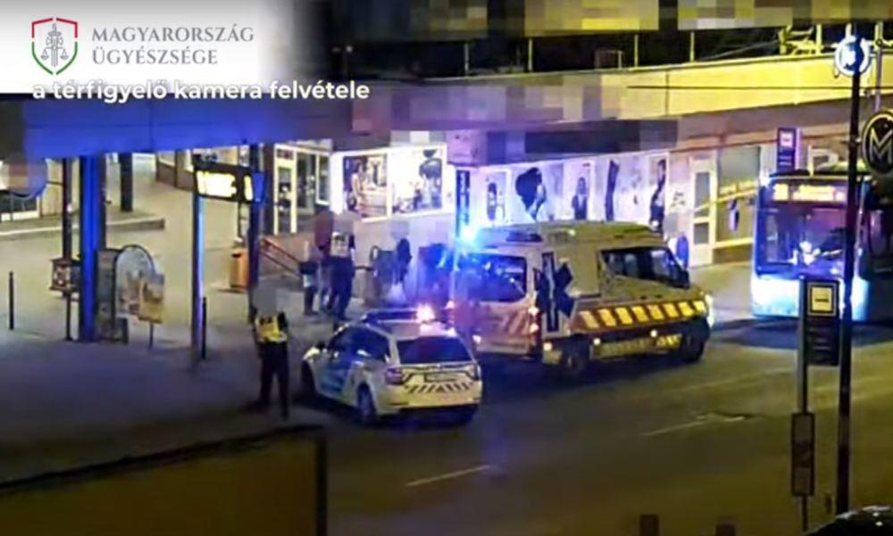 Egyetlen ütéssel terítette ki a támadó a férfit, miután megpróbálta őt lehúzni némi apróval és cigivel egy budapesti buszpályaudvaron – Videóval