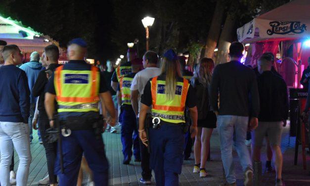Ellepték a rendőrök a siófoki Petőfi sétányt – Fotók a helyszínről