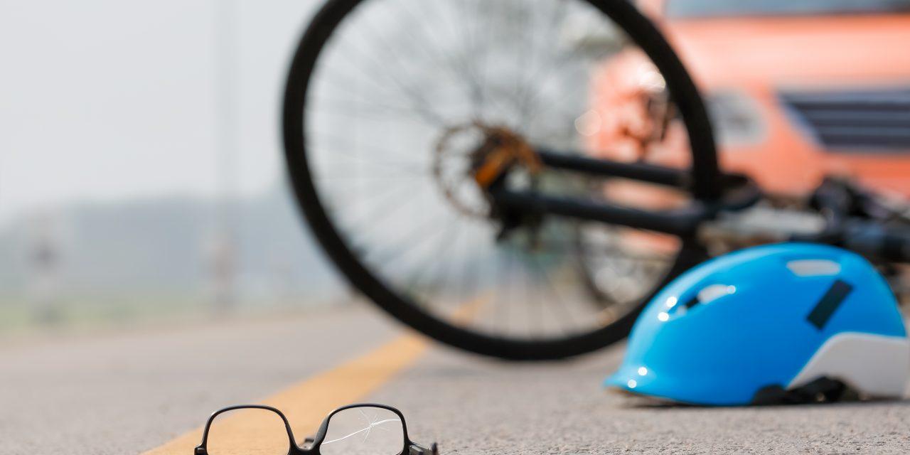 Szörnyű baleset: Elgázoltak két biciklist Salgótarjánban