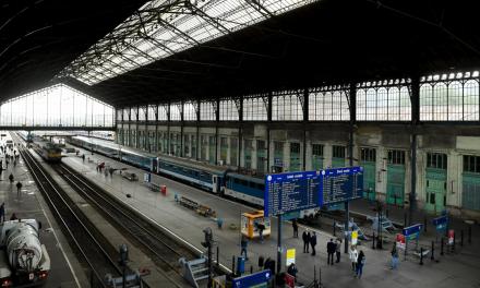 Berúgtak a Keleti pályaudvar restijében, majd csaknem agyonverte társát a 21 éves férfi