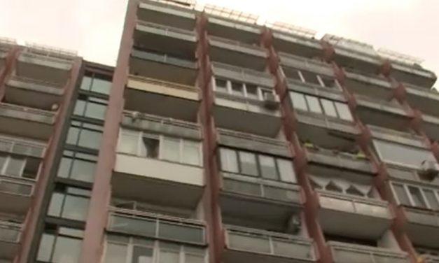 Felcsaptak a lángok Csepelen: a lakásban alvó férfira a rendőrök törték rá az ajtót – Most megszólaltak a hős egyenruhások, akiket az életmentés után kórházba kellett szállítani – videó