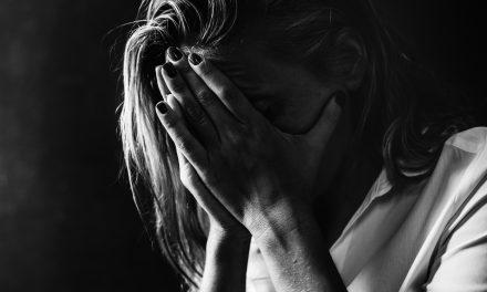 Durván elfajult szóváltás Baranyában: kicibáltak, majd a nyílt utcán agyba-főbe vertek egy 49 éves nőt – Esélye sem volt a támadókkal szemben